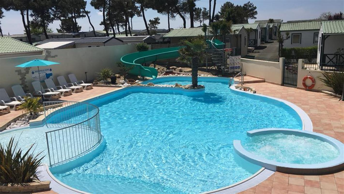 Camping avec piscine chauff e la faute sur mer camping - Camping a mimizan plage avec piscine ...
